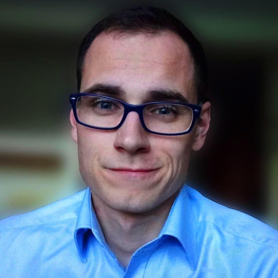 Dawid Bednarski headshot